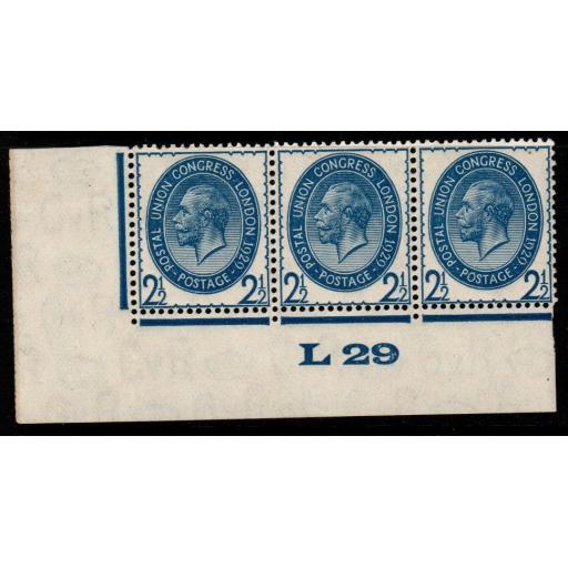 GB SGNcom8(2) 1929 PUC 2½d PALE BLUE CONTROL L29 MTD MINT STRIP OF 3